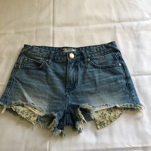 Free People Ripped Jeans short size W25